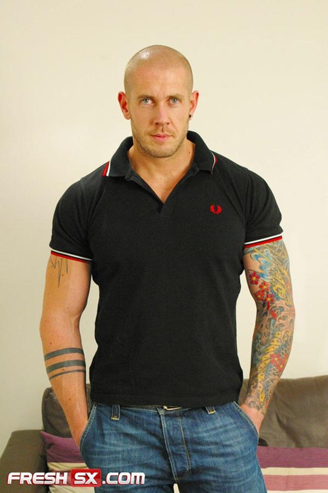FreshSX:  Naked tattoed muscle man Harley Everett