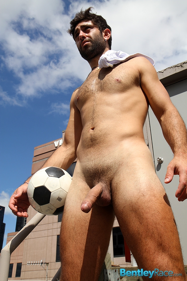 male football players Nude