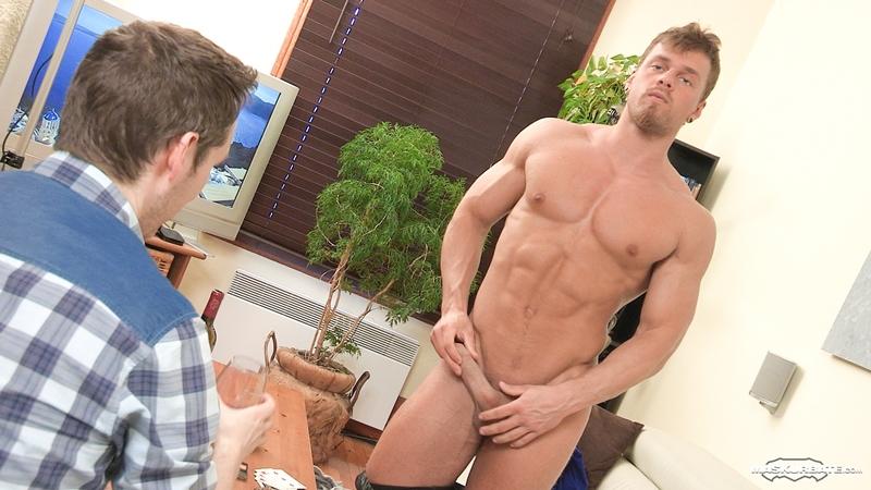 bodybuilder strip