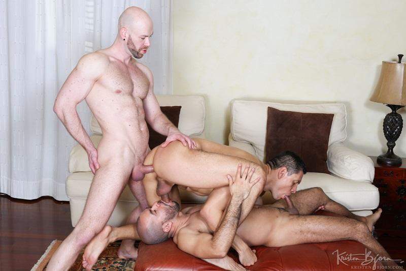 KristenBjorn-gay-bareback-fucking-John-Rodriguez-Peter-Coxx-Rick-De-Silver-Muscle-Latinos-Anal-Sex-Oral-Sex-Kissing-Rimming-raw-bare-dick-026-gay-porn-sex-porno-video-pics-gallery-photo