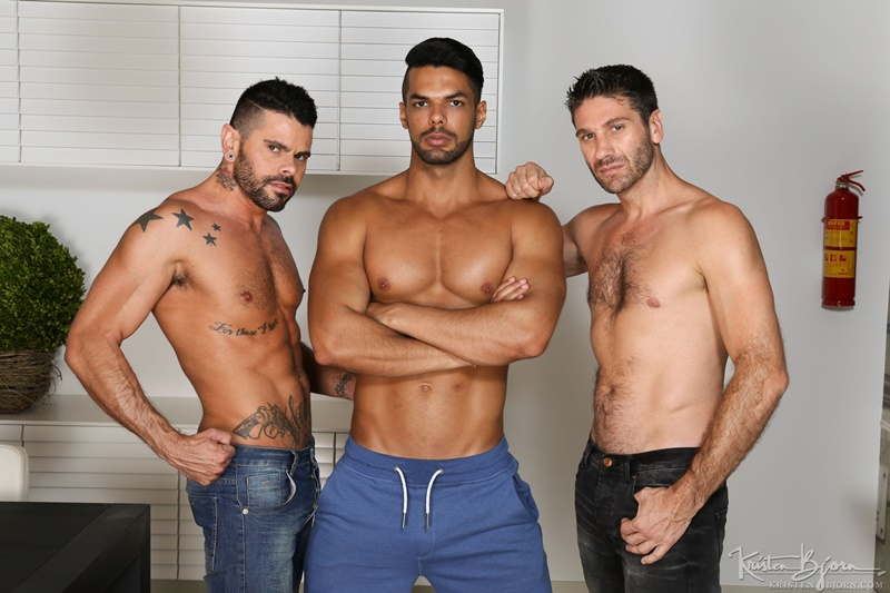 Hot muscle men fucking with Craig Daniel, Mario Domenech and Lucas Fox