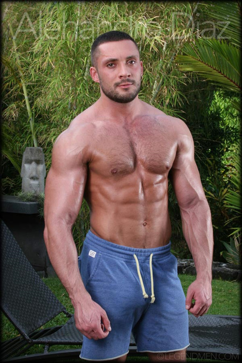 Muscle Video Gay legend men's alehandro diaz sure is packing some serious