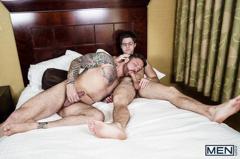 Will Braun's tight muscled asshole fucked hard by Jordan Levine's huge dick