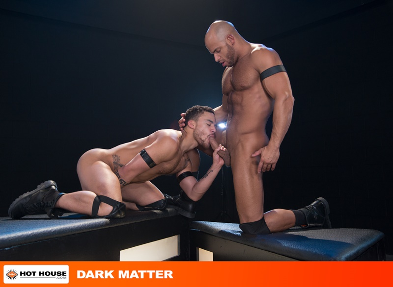 Sean Zevran sticks his big thick cock into Beaux Banks' tight asshole